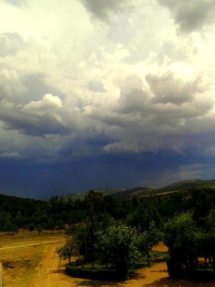 Época de tormentas en Luciana