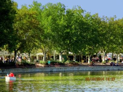 Restaurantes y terrazas desde la lejanía